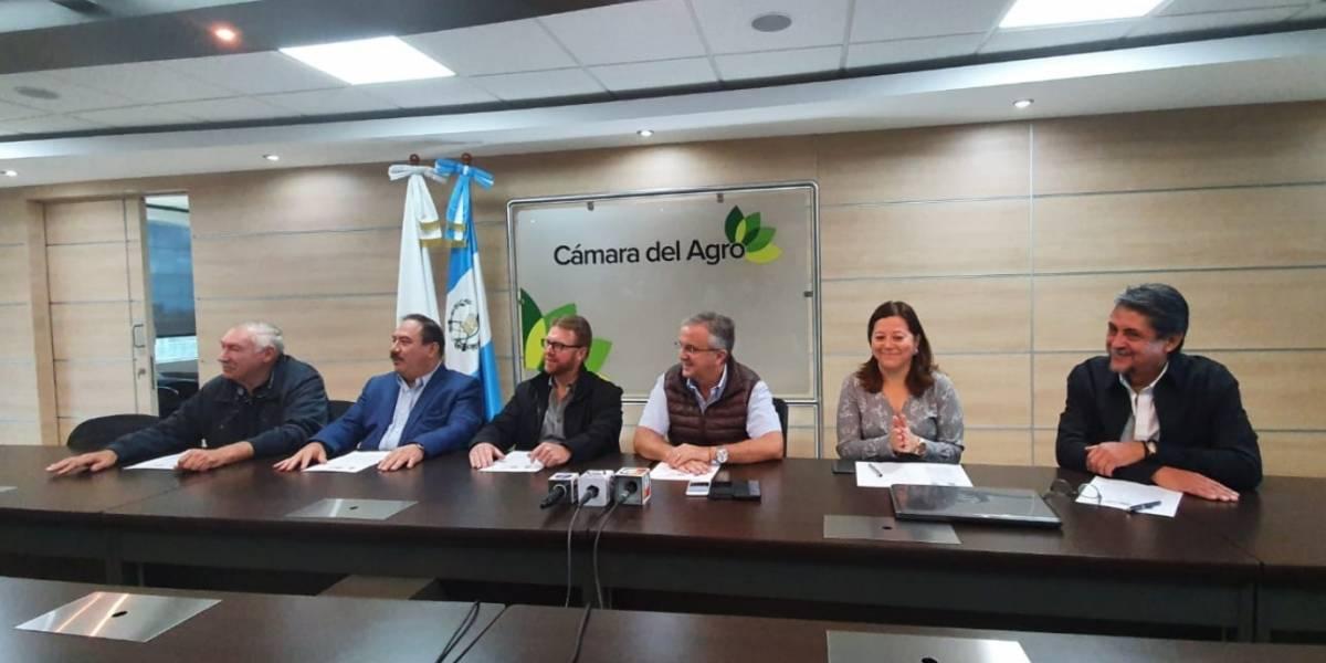Empresarios del Agro aclaran que continúan laborando