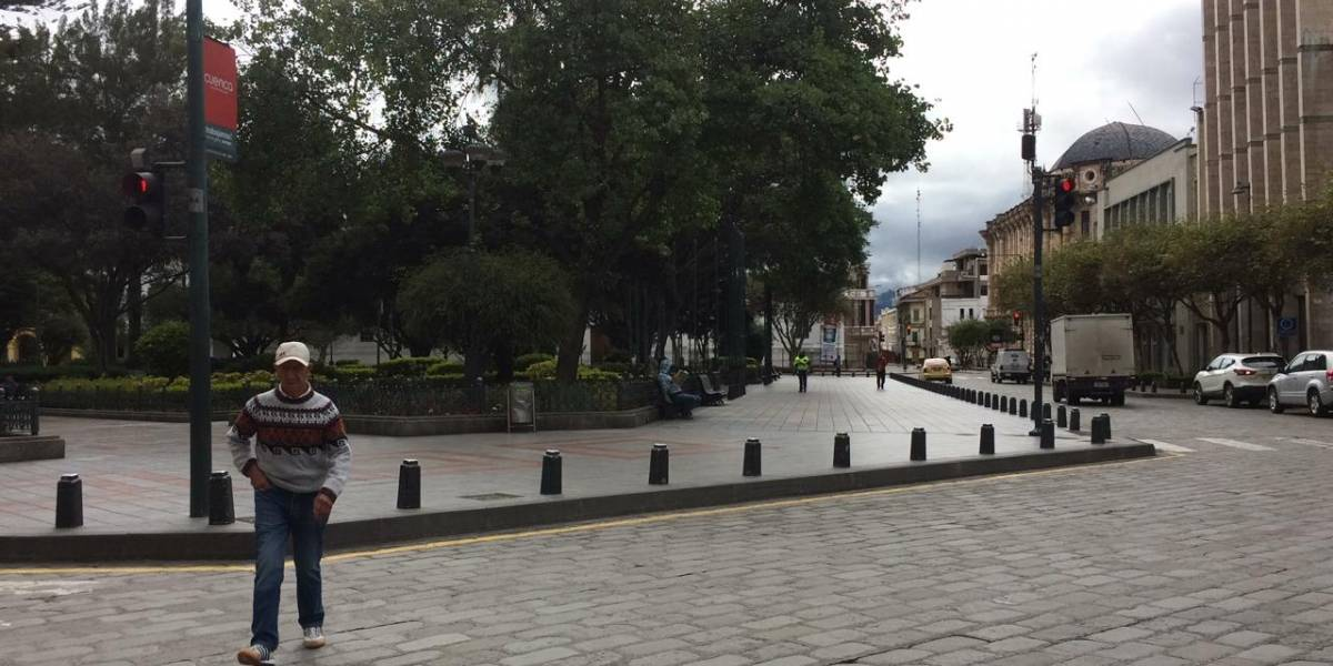 Cuenca luce vacía durante el primer día de excepción