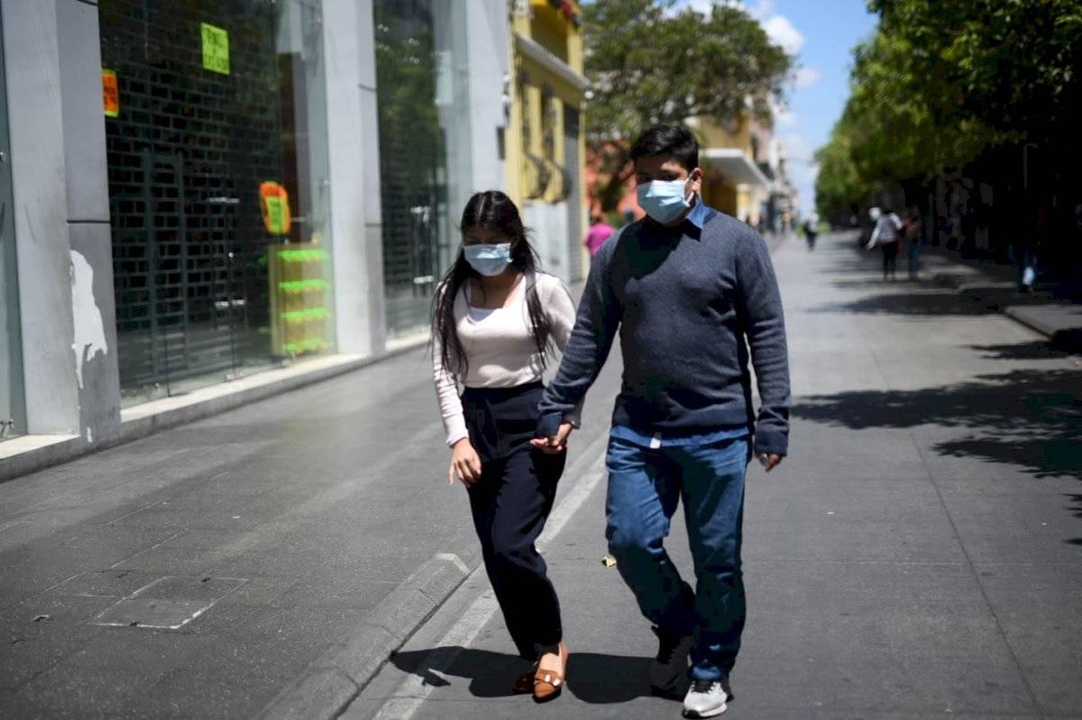 Personas en el Paseo de la Sexta Edwin Bercián