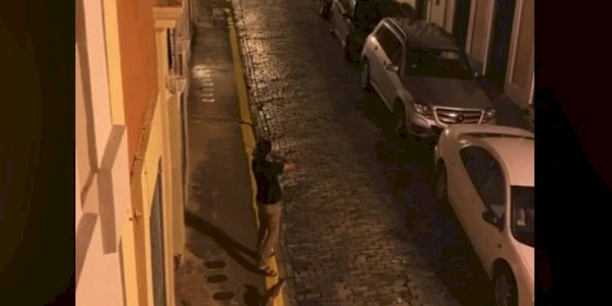 "Violinista cautiva las redes entonando ""En mi Viejo San Juan"""