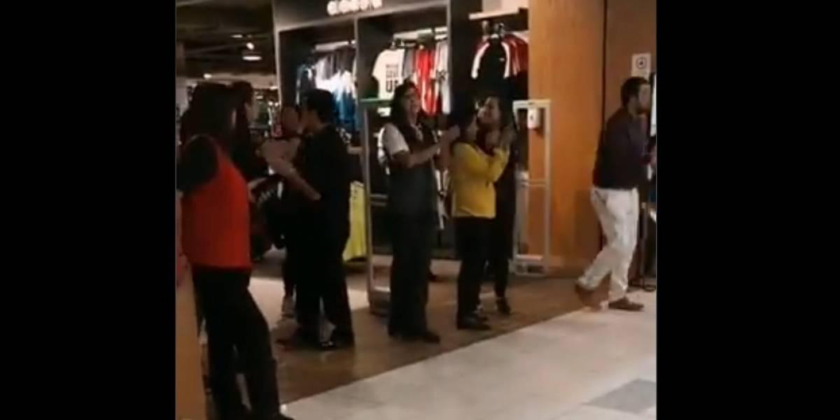VIDEOS. Trabajadores chilenos protestan para que cierren centros comerciales por el coronavirus