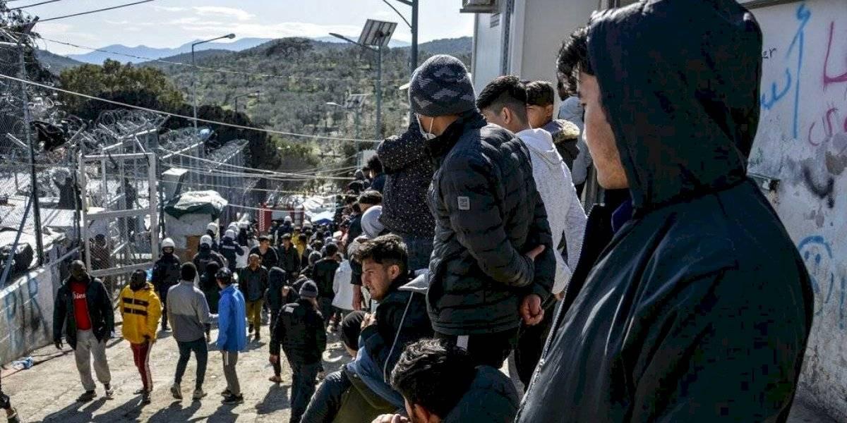 Grecia usa gas lacrimógeno contra migrantes en la frontera