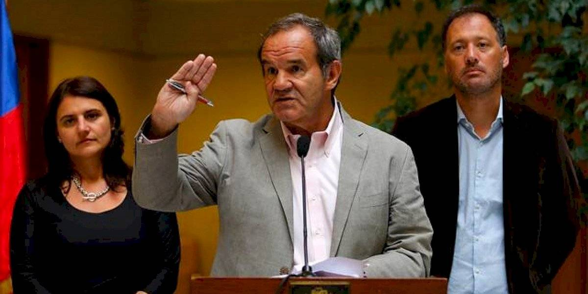 """Allamand pide decretar """"cuarentena total"""" en la Región Metropolitana por coronavirus"""