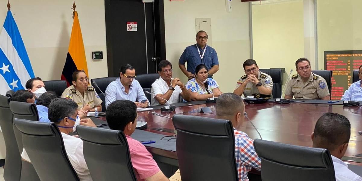 Morales coordina acciones para asegurar abastecimiento de productos en Guayas