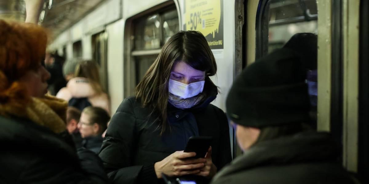 Quanto tempo o coronavírus sobrevive no metrô e em um táxi?