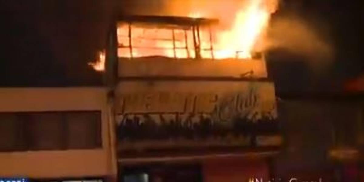 Gigantesco incendio consumió bar en Bogotá