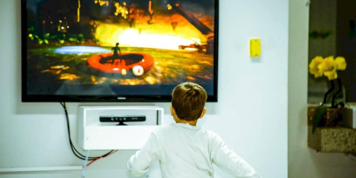 Por cuarentena: encendido de televisores tiene su mayor aumento en niños de 4 a 12 años