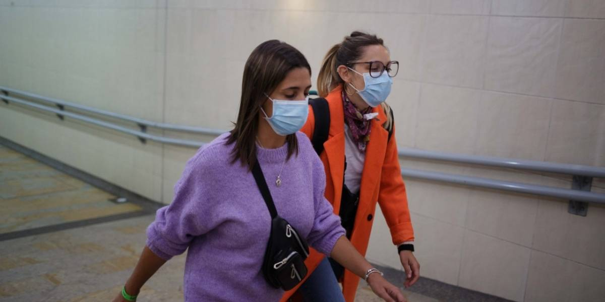 Capturan mujer que no acató protocolos de aislamiento por Covid-19