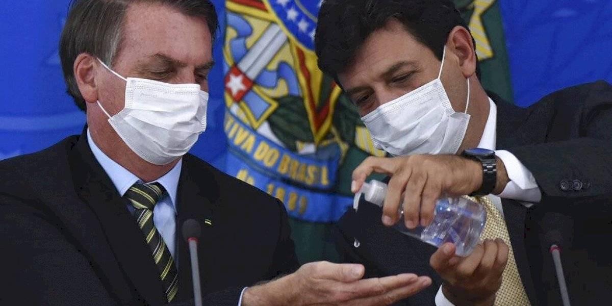 Presidente de Brasil ahora dice ser líder anticoronavirus