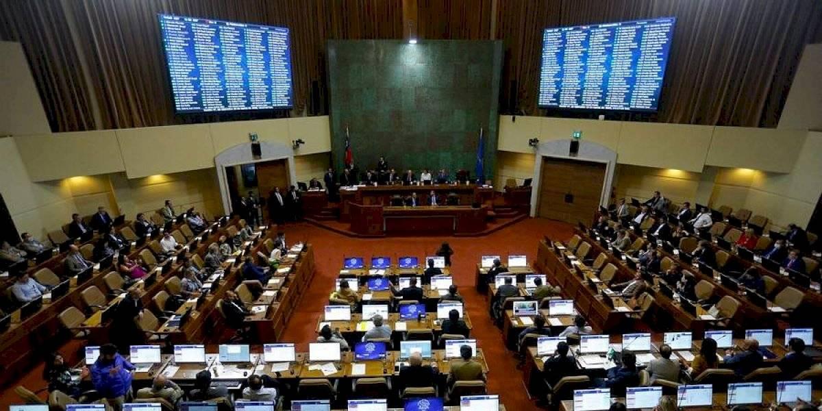 Cámara despacha proyecto que prohíbe subir precios a productos farmacéuticos en caso de alerta sanitaria, epidemia o pandemia