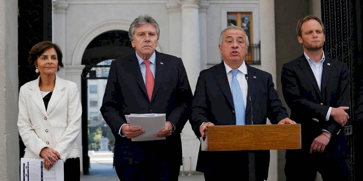 Mañalich anuncia cuarentena para Isla de Pascua y aduana sanitaria en siete regiones del país por coronavirus