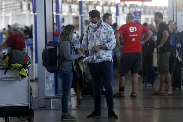 Apertura de fronteras: casos importados de covid aumentaron de 5 a 70 en una semana