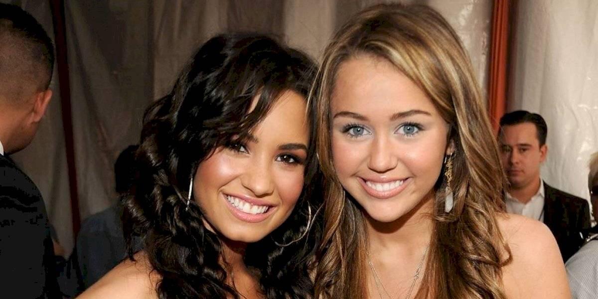 """Miley Cyrus revela detalles de su relación """"gay"""" con Demi Lovato"""