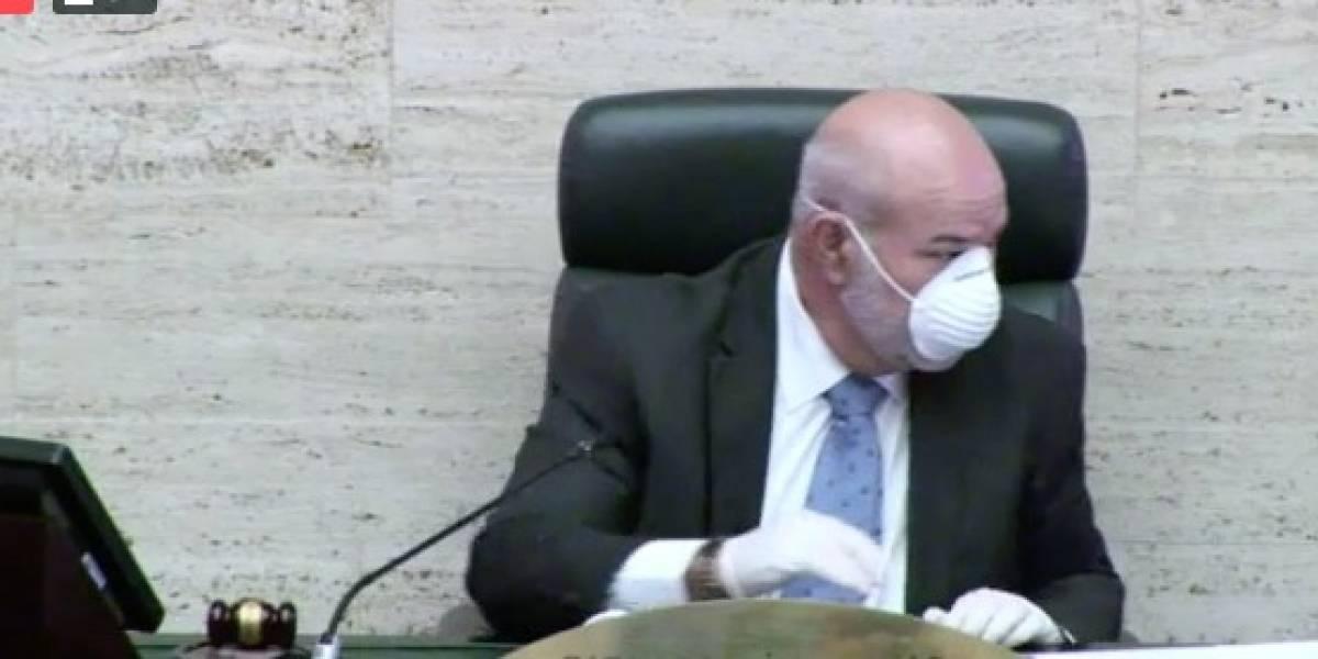 """Johnny"" Méndez no descarta ir por encima veto gobernadora a medida sobre hospitales"