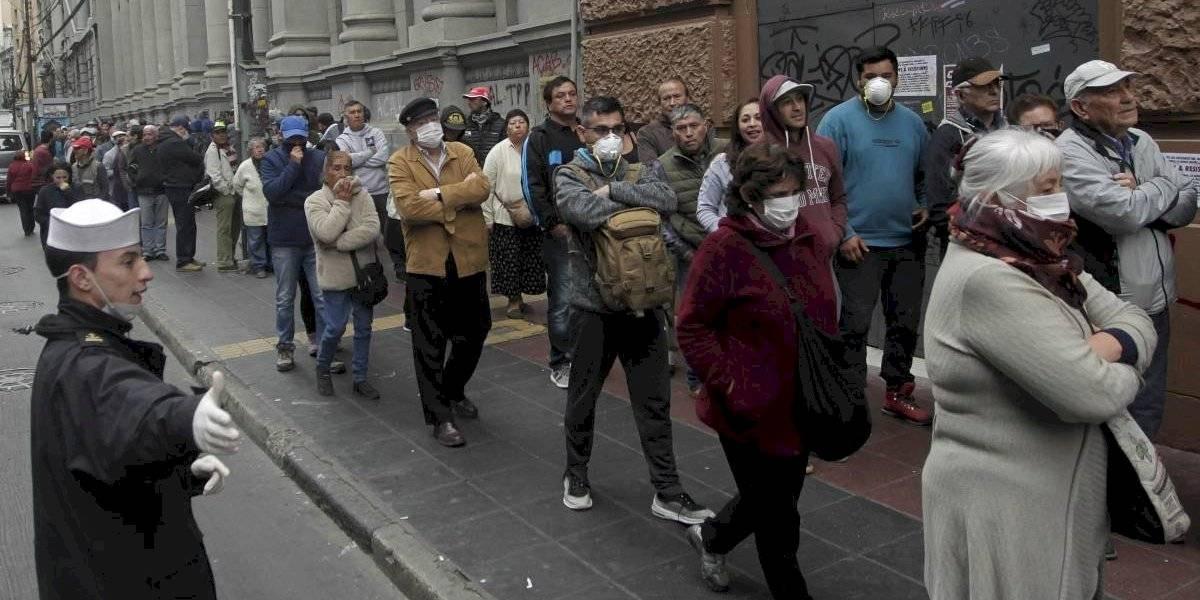 """56 alcaldesas y alcaldes de todo Chile piden al Presidente Piñera que declare """"estado de cuarentena obligatoria nacional"""""""