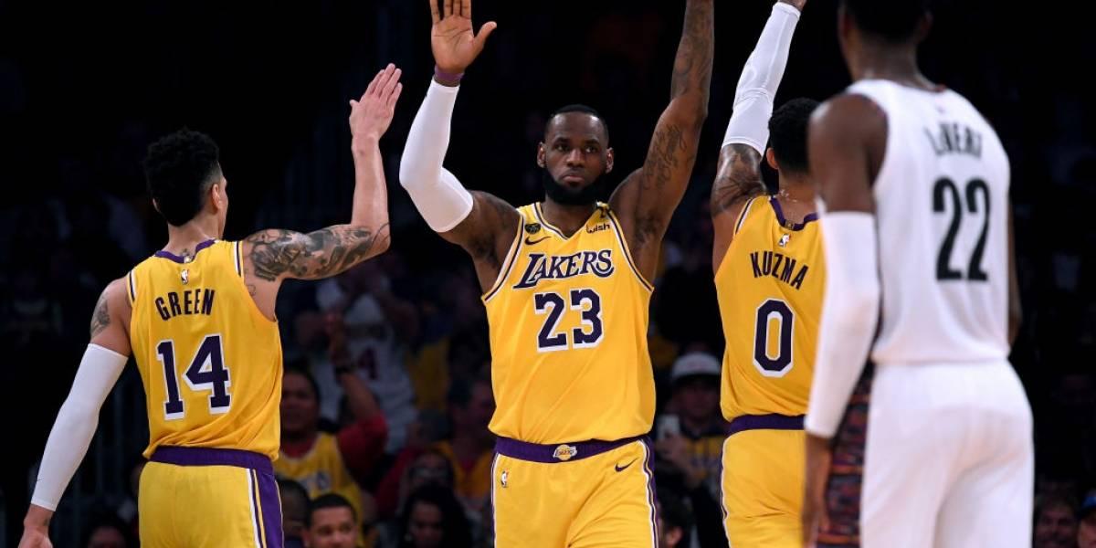 Los Lakers confirman que dos jugadores dieron positivo por coronavirus