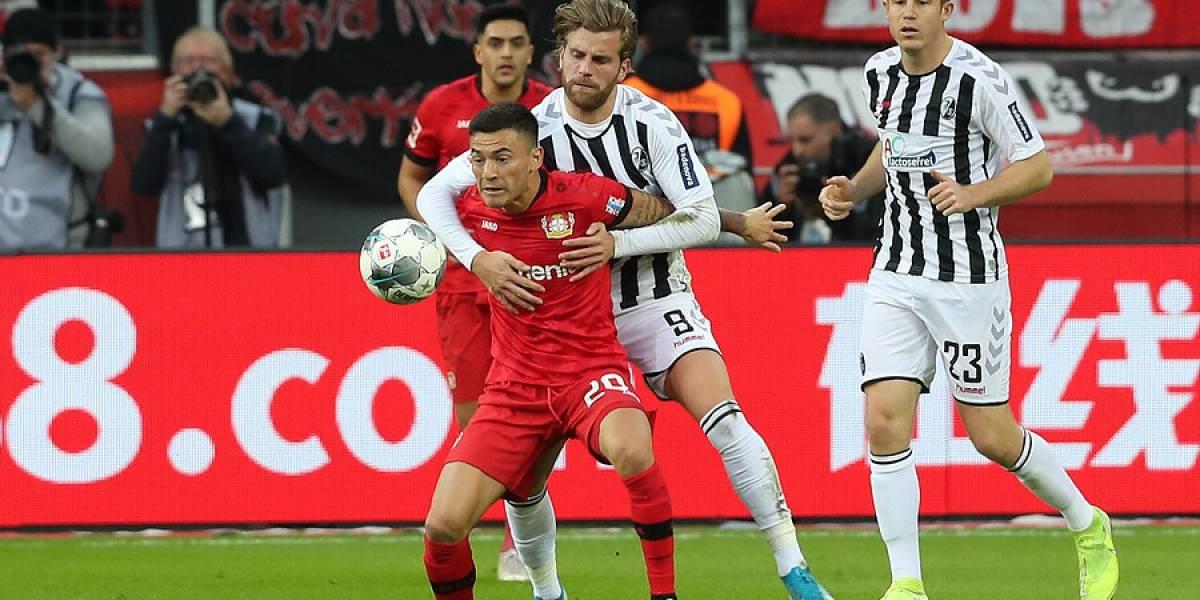 Charles Aránguiz habría renovado con Bayer Leverkusen a la espera de ofertas de PSG e Inter de Milán
