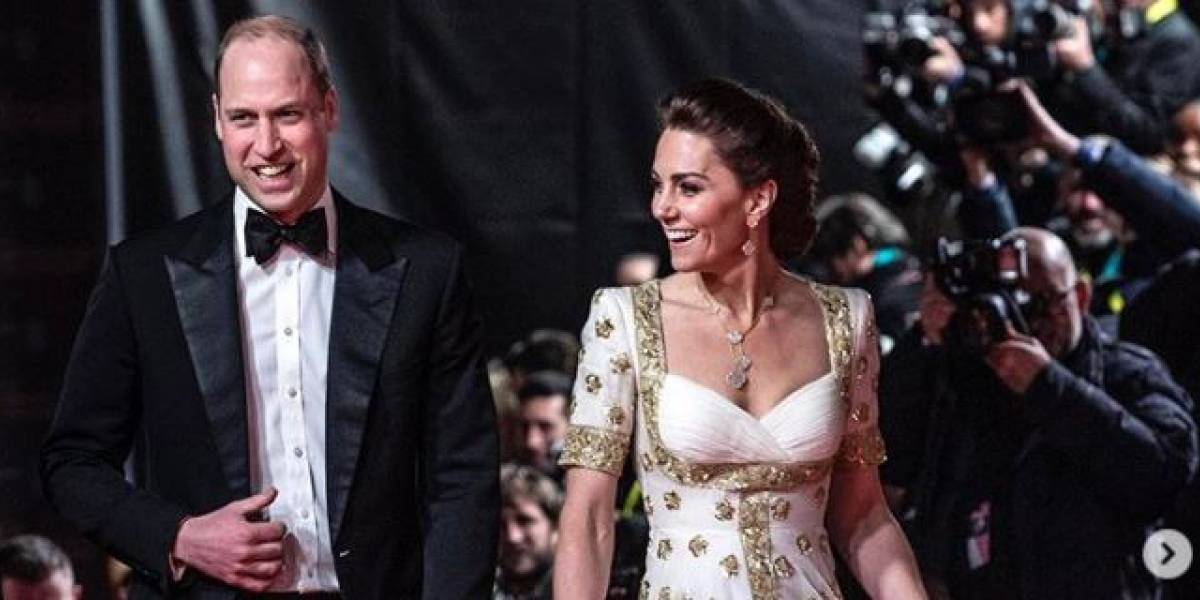 Deslumbra Kate Middleton deslumbra en una reunión de trabajo