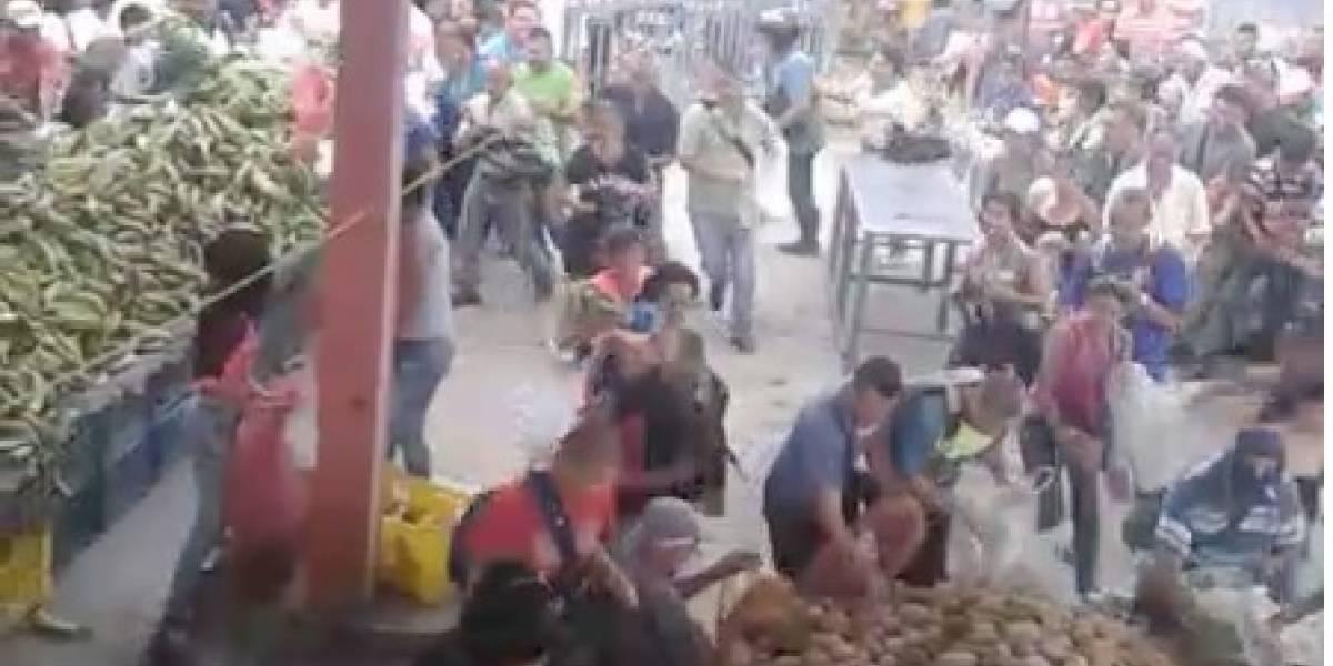 María Paula Romo desmiente video que muestra aglomeración de personas en un mercado