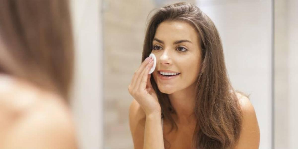 ¡Cuida tu rostro! 5 pasos para desmaquillarte de forma correcta