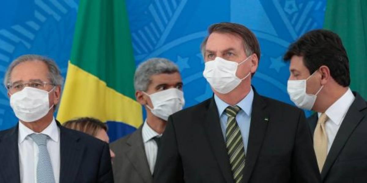 Bolsonaro critica medidas de controle do vírus: 'economia não pode parar'