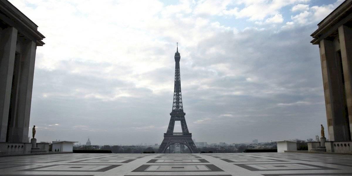 Multan a alcaldía de París por contratar demasiadas mujeres