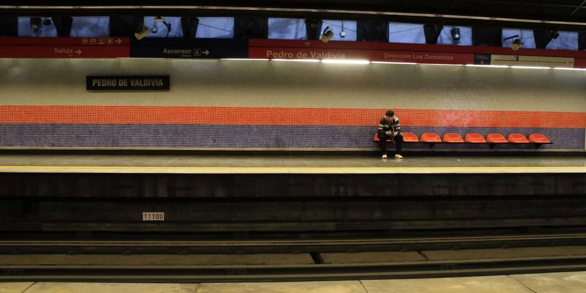Aumentará el tiempo de espera: Metro de Santiago reducirá en un 50% la oferta de transporte los fines de semana