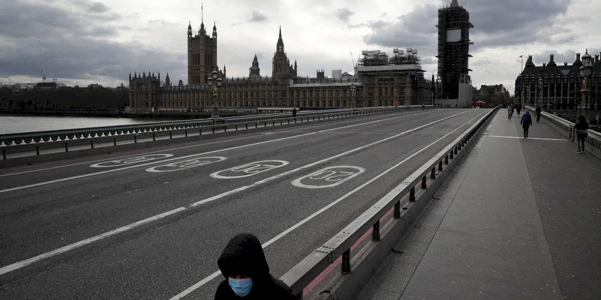 Gobierno británico pagará el 80% del sueldo de trabajadores del sector privado que no puedan cumplir funciones por el coronavirus