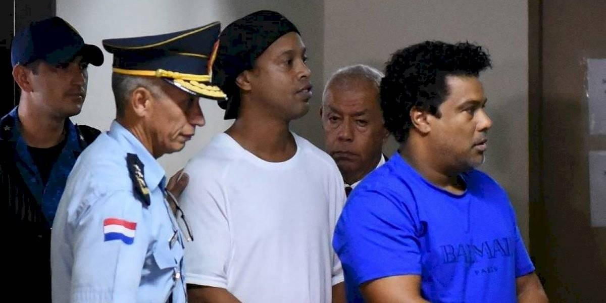 El cumpleaños más triste de Ronaldinho: El astro cumplió 40 años mientras está recluido en una cárcel paraguaya
