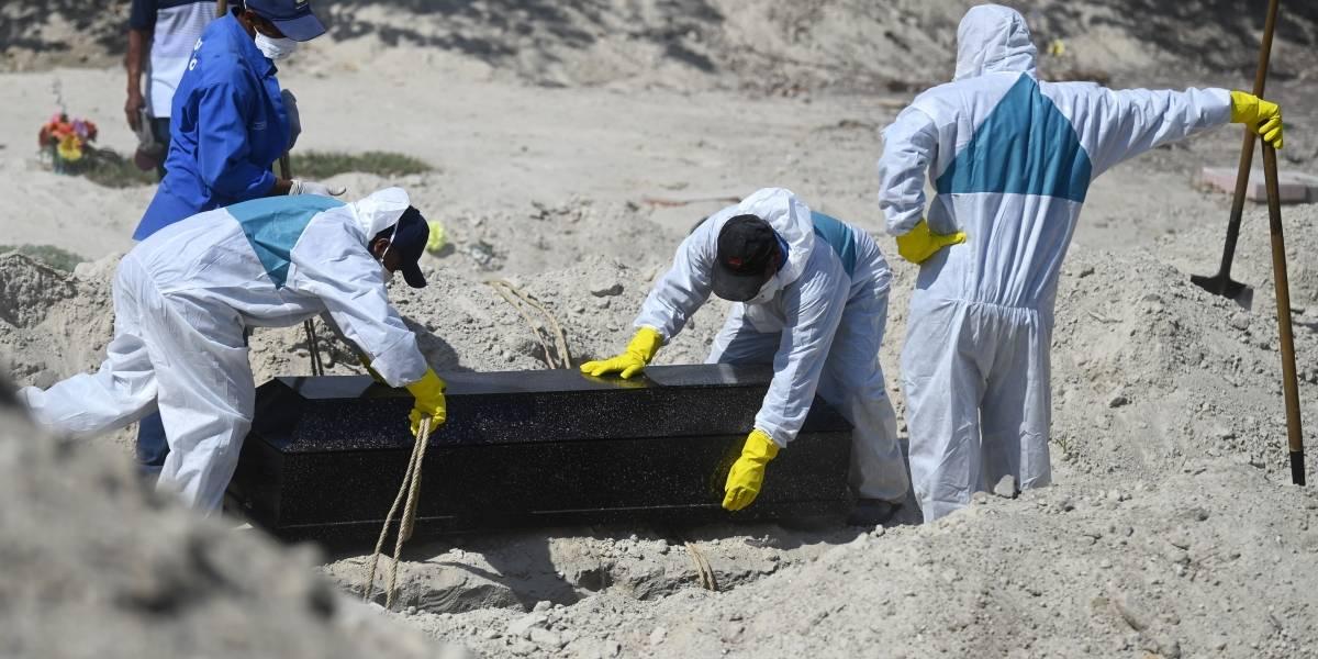 FOTOS. El Salvador cava tumbas para quienes mueran por coronavirus