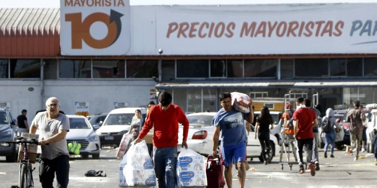 """Turnos diferenciados y """"horario responsable"""": la estrategia de algunos supermercados para prevenir el contagio de coronavirus"""
