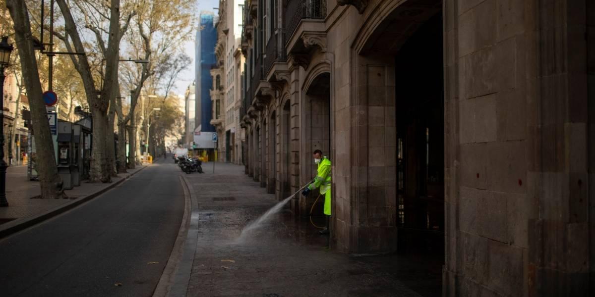 Organizaron una orgía en medio de la cuarentena por coronavirus en Barcelona y terminaron detenidos