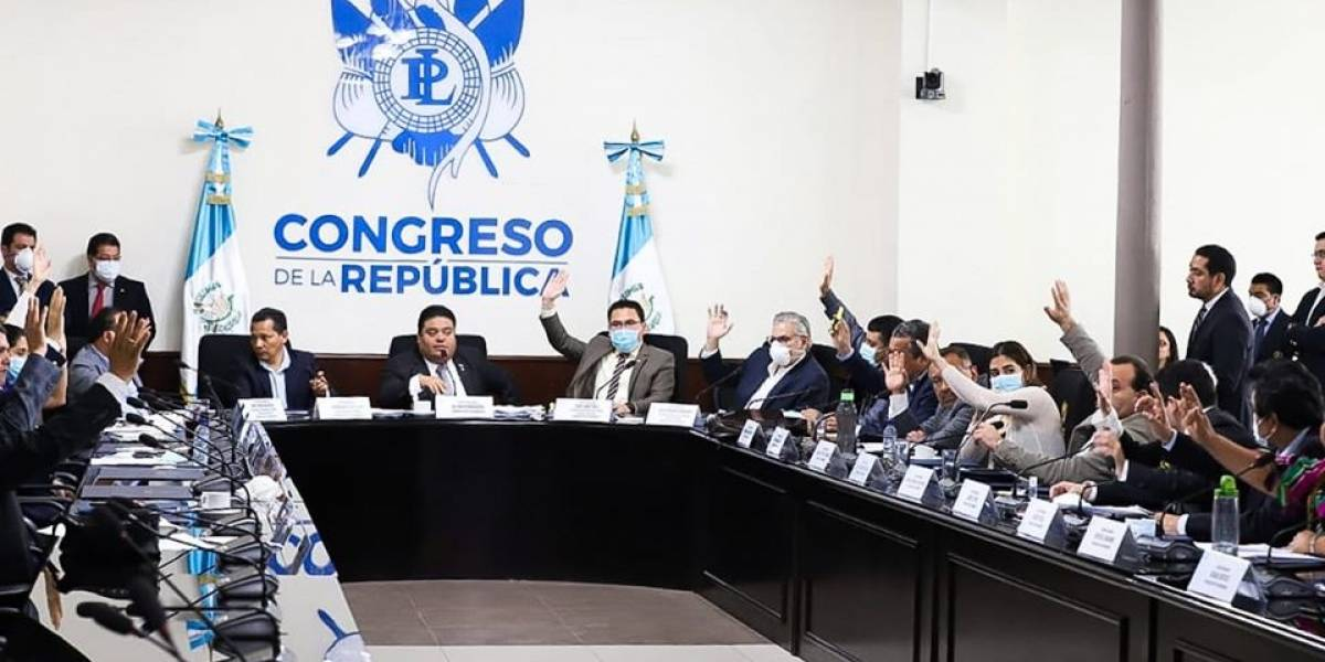 """Bloques crean """"iniciativa matriz"""" para unificar propuestas que atiendan crisis"""