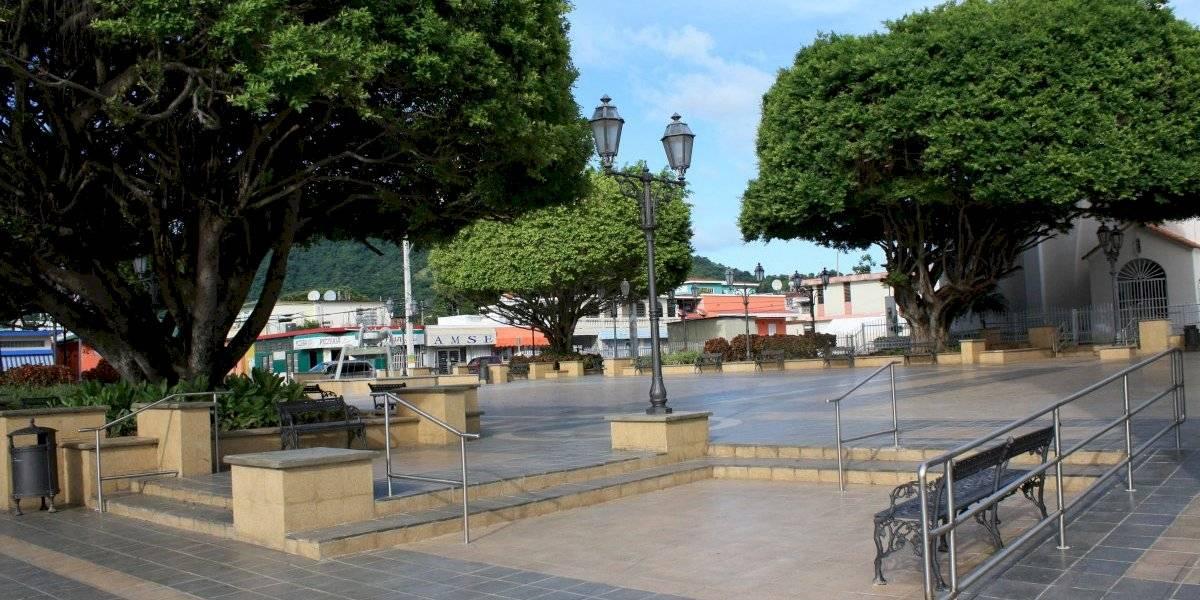Comerciantes de Maunabo acuerdan horario de servicios