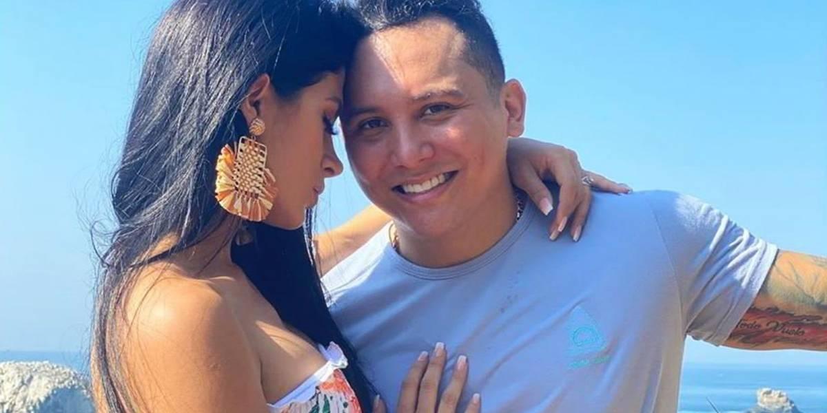 Kimberly Flores, esposa de Edwin Luna, se anota un 10 con este look primaveral
