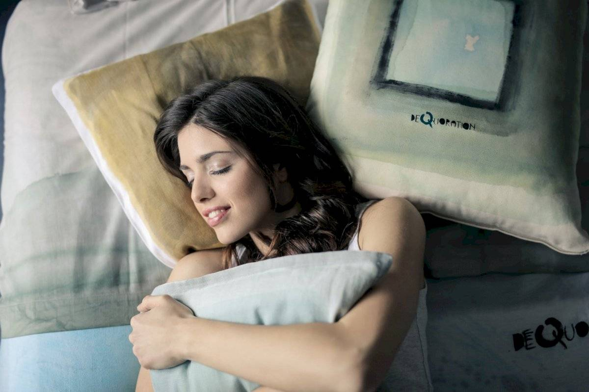 Soñar con tu ex repetidas veces puede indicar problemas en tu relación actual