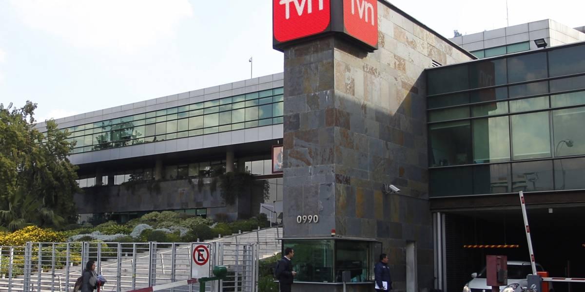 Rostros de TVN se rebajan el sueldo a la mitad para proteger empleos