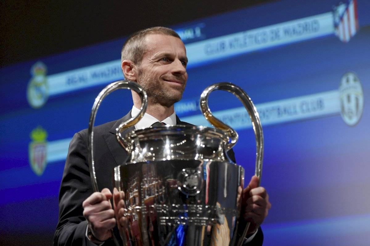 UEFA aplaza final de la Champions League