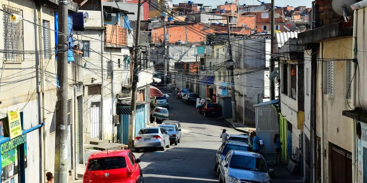 Favelas enfrentam redução de renda em meio à pandemia
