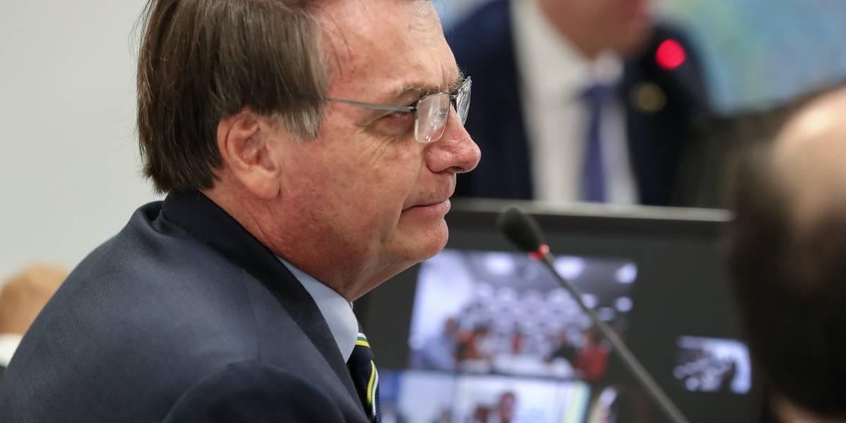 Bolsonaro edita MP que suspende atendimento de acesso à informação