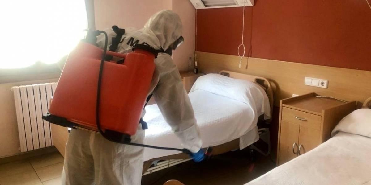 Coronavirus: Ejército español encuentra a ancianos 'conviviendo' con cadáveres en cuarentena
