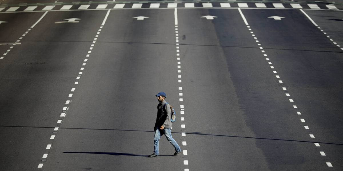 Colombia va a cuarentena, mientras Venezuela la amplía