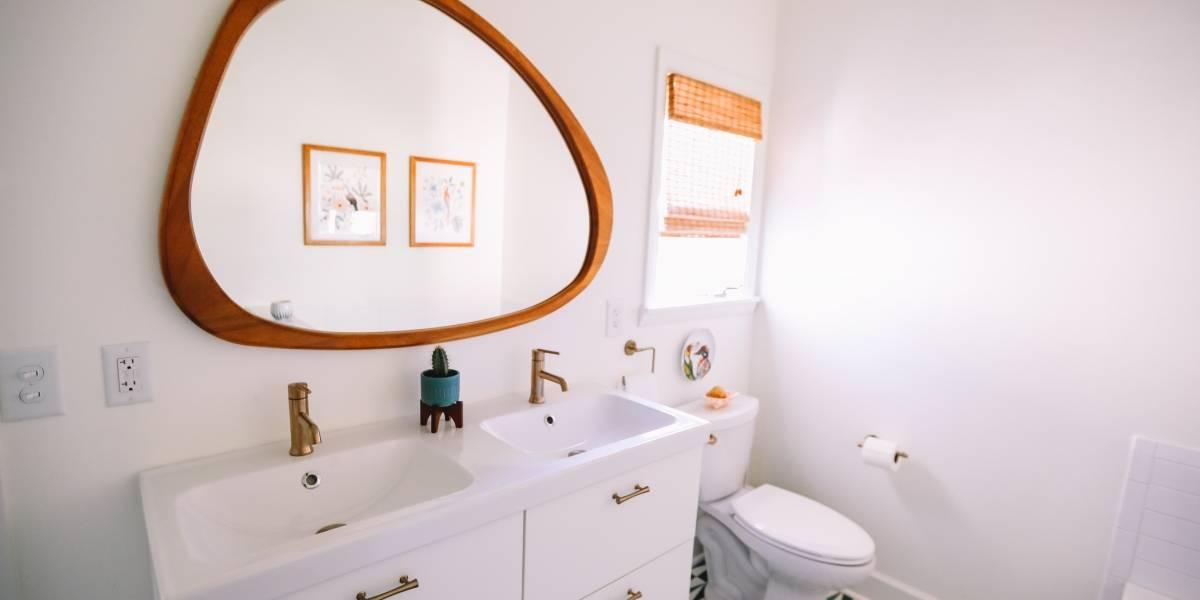 Aqui estão algumas ideias de espelhos decorativos para banheiro