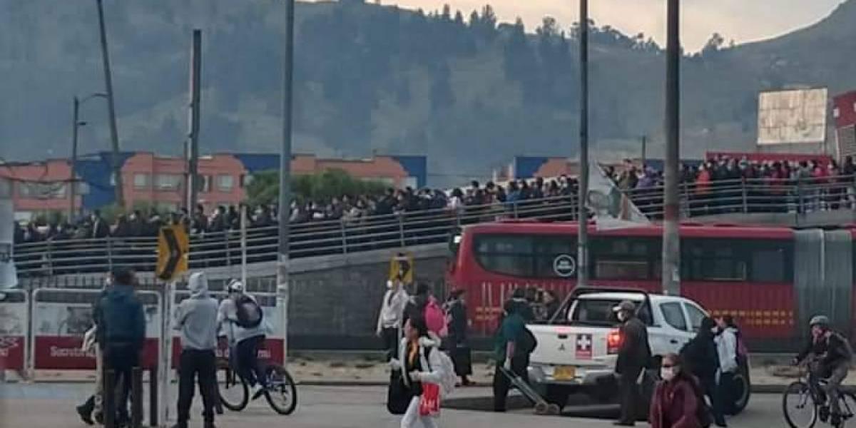 ¡Aglomeraciones en TransMilenio! Así se vieron las estaciones en pleno simulacro