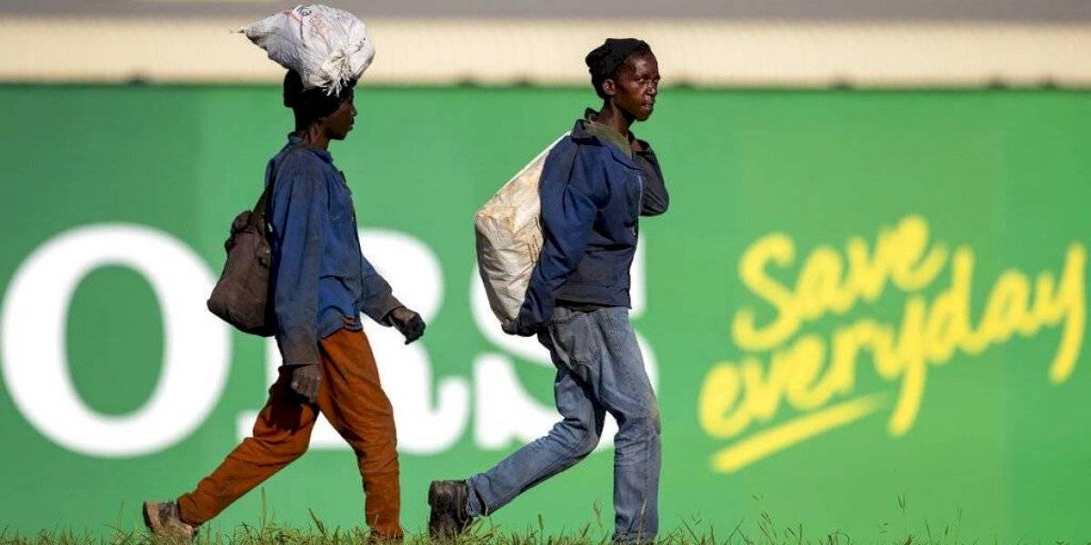 Casos de coronavirus superan los 700 en Sudáfrica