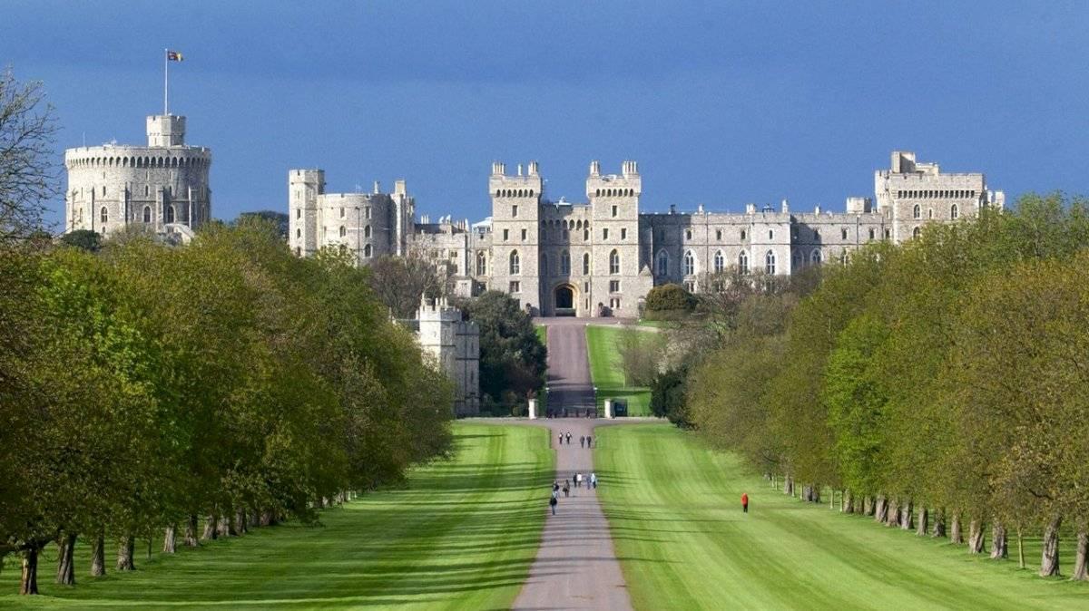 En toda su historia, este castillo ha pertenecido a 40 monarcas y se considera el más antiguo de la esfera.