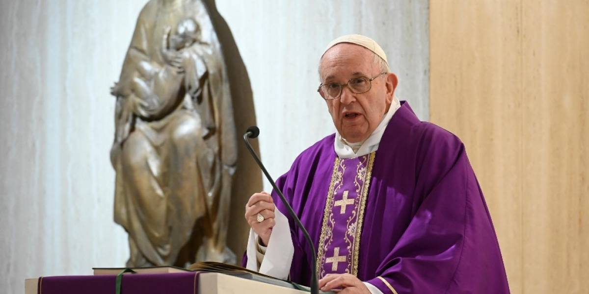 "Papa Francisco implora ""misericordia para la humanidad"" ante el coronavirus"