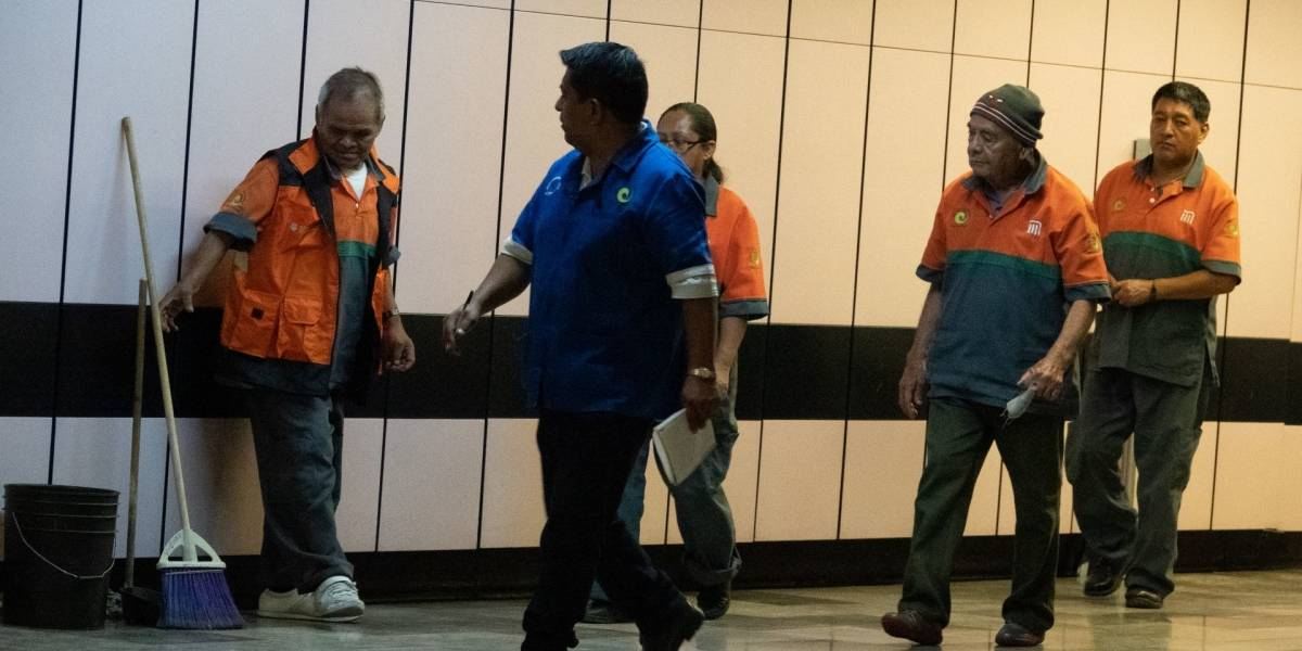 Metro CDMX manda a sus casas a poblaciones de riesgo por coronavirus