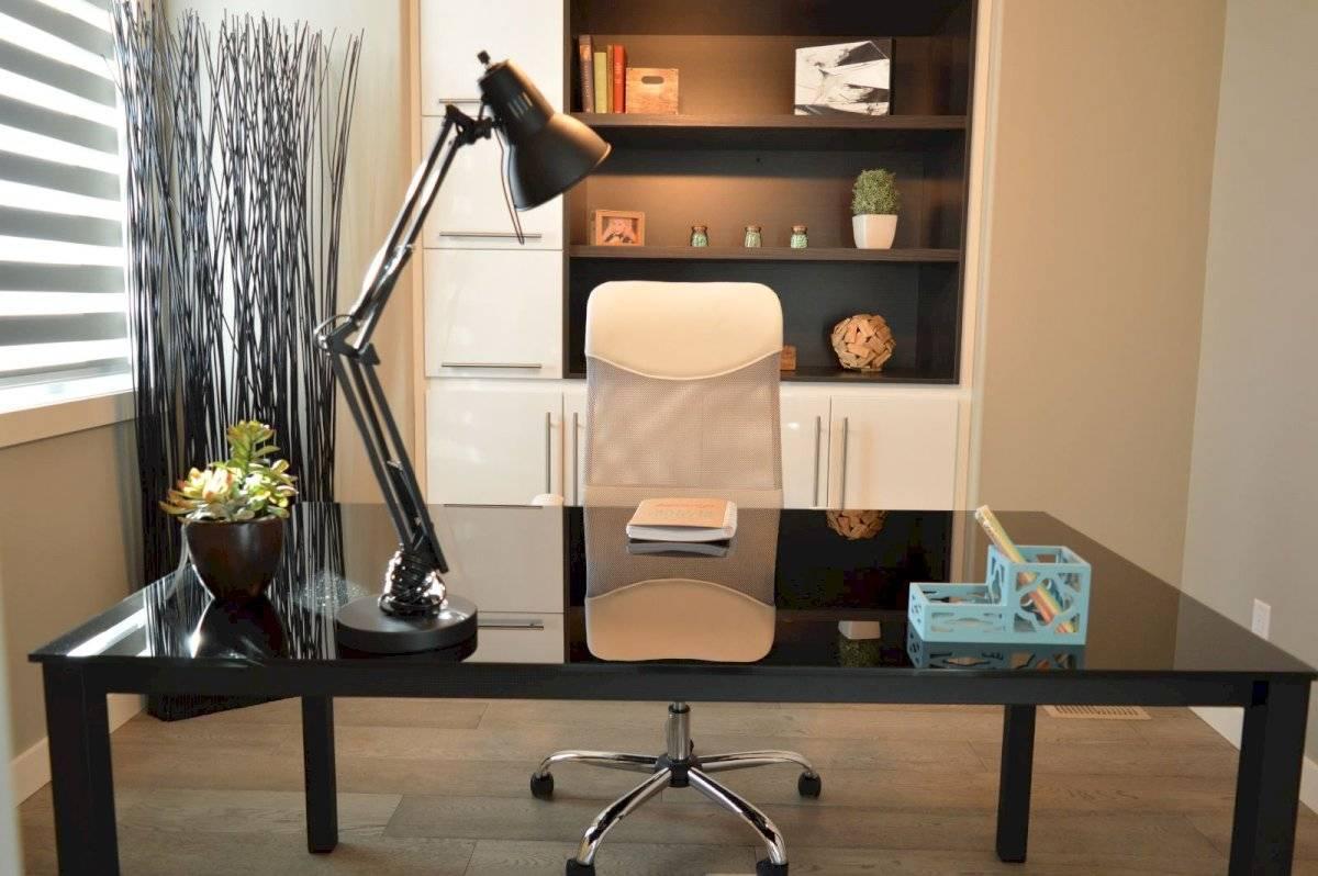 Hacer una oficina en la casa durante cuarentena