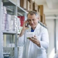 Adultos mayores muestran preocupación por el precio de los medicamentos recetados